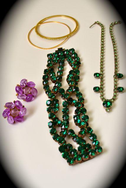 Day 128_green vintage crystal necklace_still-life