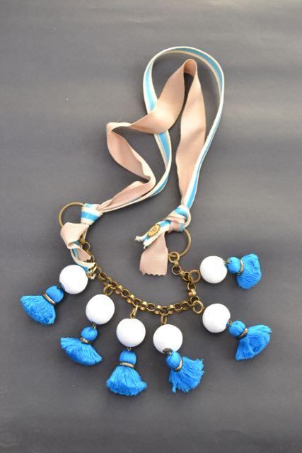 Les Précieuses necklace