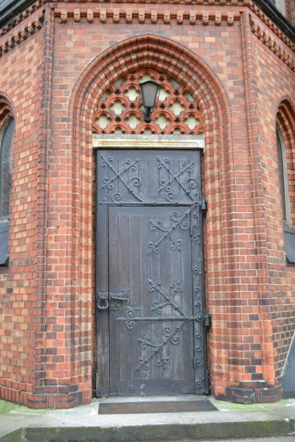Day 100_church_Bei St Johannis_door