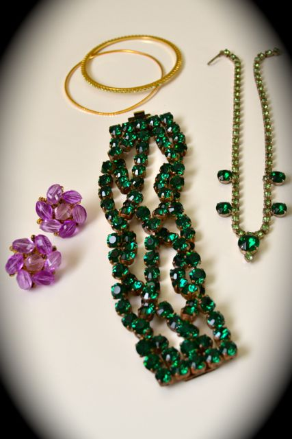 Day 128_green vintage crystal necklace_still-life