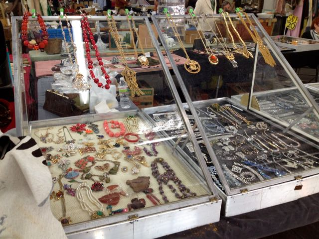 vintage jewelry at NYC flea