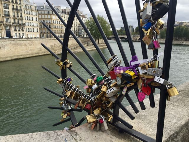 locks-of-love_paris